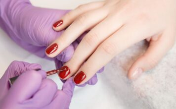How to take off gel nail polish