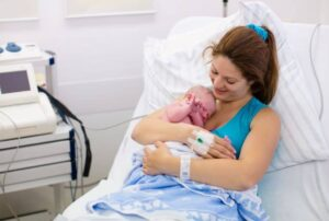 When to go to the hospital for labor